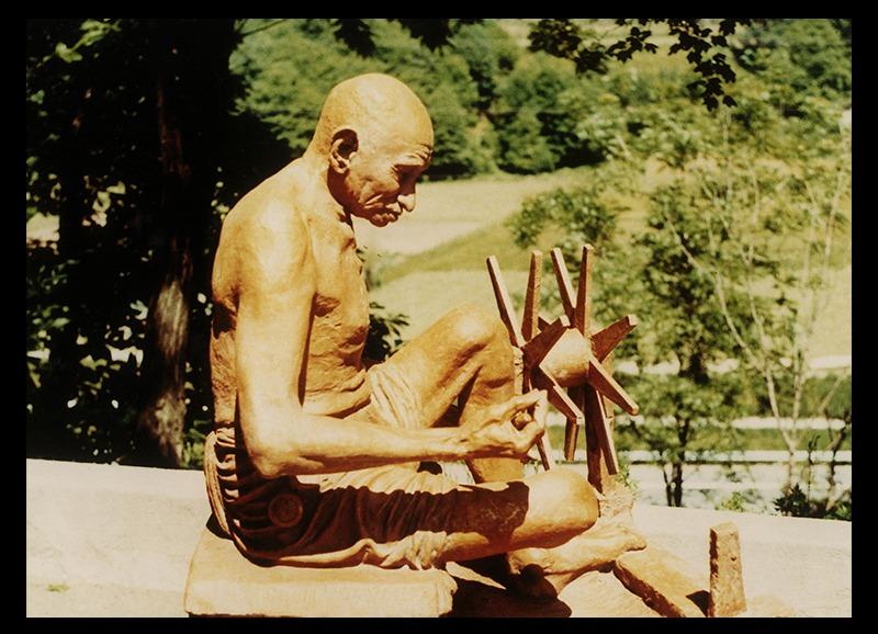 rq-art.com-clara-quien-public03-Mahatma Gandhi