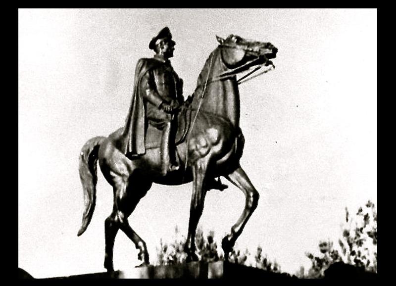 rq-art.com-clara-quien-public05-Equestrian Statue of the Shah of Iran